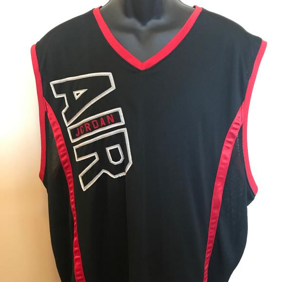0ea6af1f6977 VTG 90s Nike Air Michael Jordan Jersey Bulls NBA. M 5aad1ef5a825a6ded291a9c7